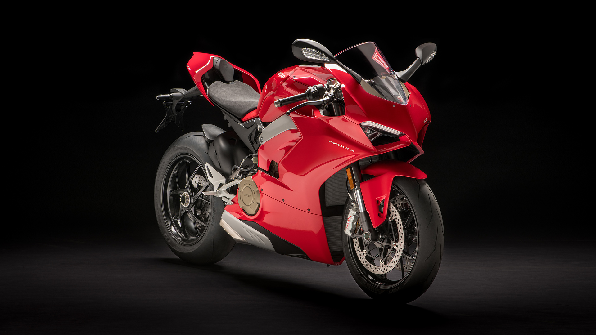 Panigale-V4-MY18-Red-01-Slider-Gallery-1920x1080.jpg