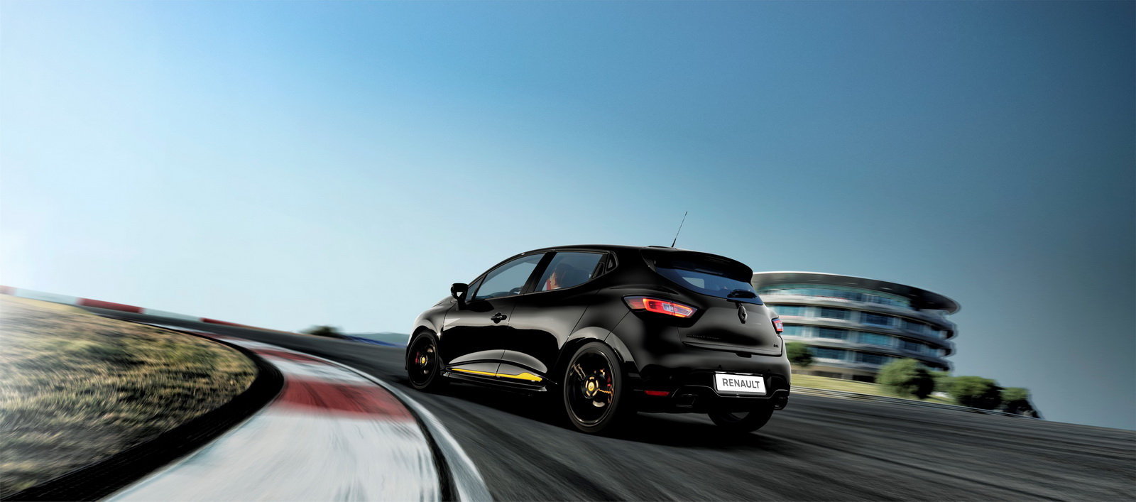 2018-renault-clio-rs-18-limited-edition-1.jpg