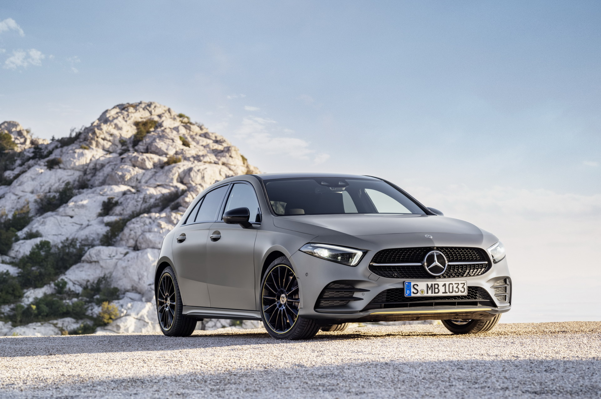 2019-Mercedes-Benz-A-Class-Hatch-40.jpg
