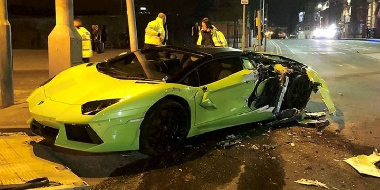 lamborghini-aventador-crashed-nottingham-01__pinned.jpg