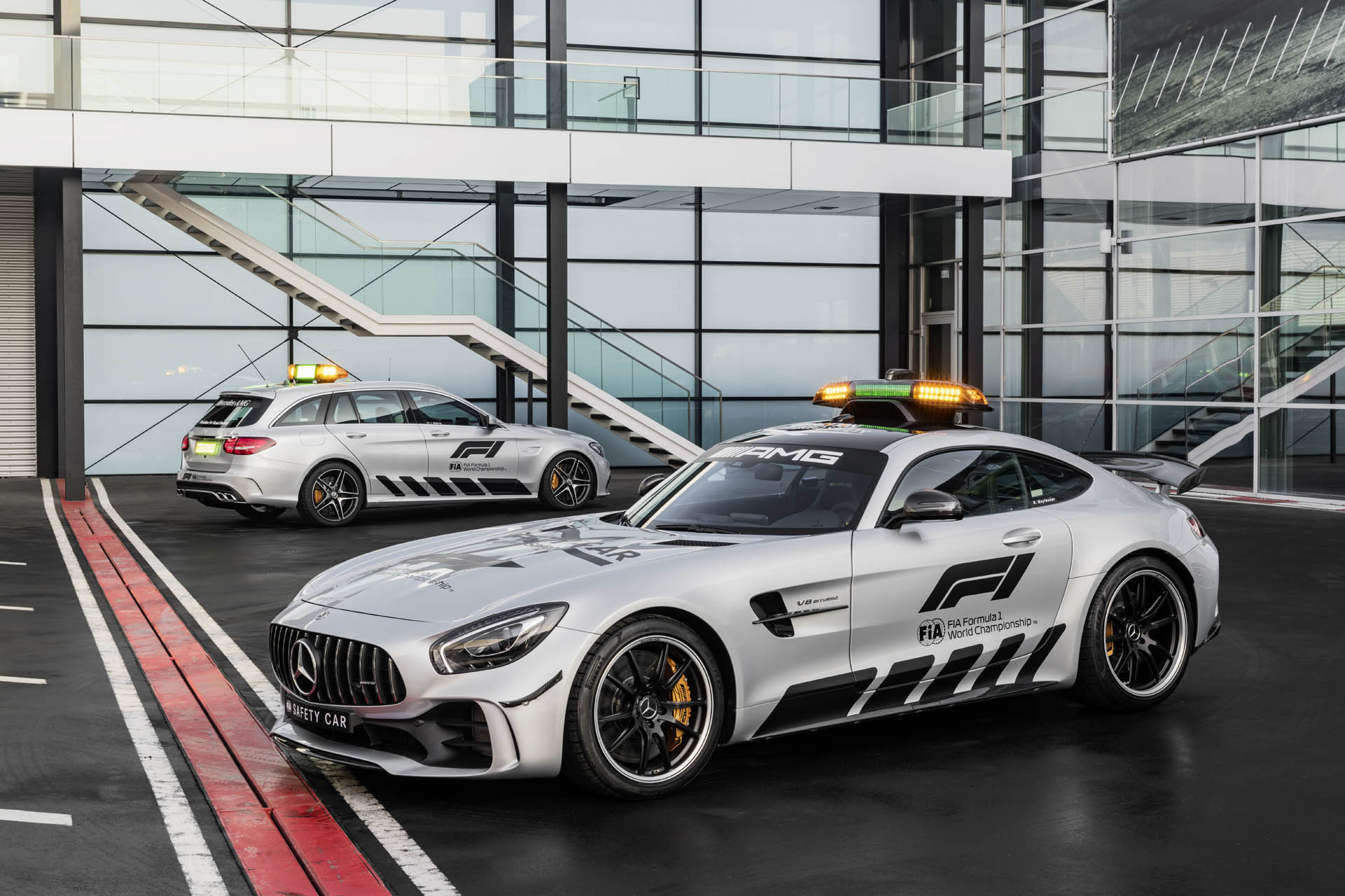 mercedes-amg-gt-r-f1-safety-car-10.jpg