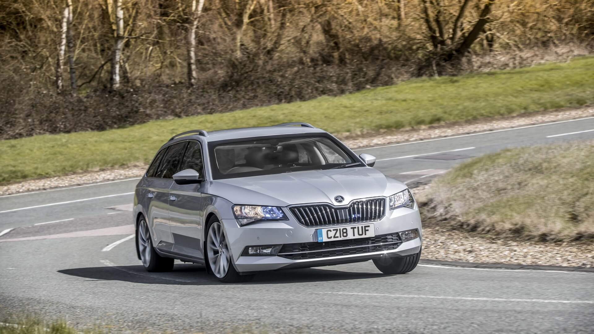 armored-skoda-superb-wagon.jpg