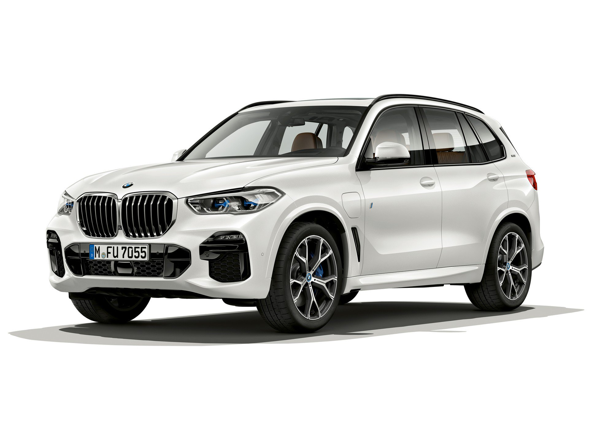 84f4f3b8-bmw-x5-xdrive45e-iperformance-1.jpg