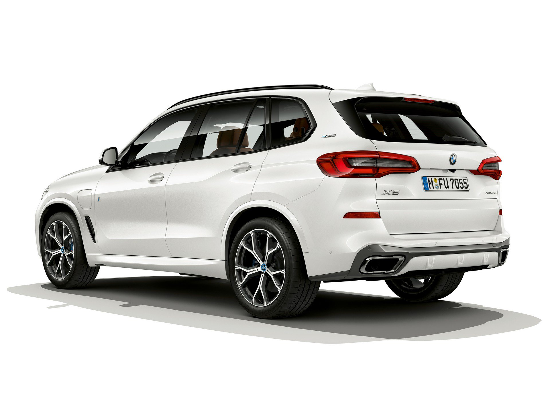 8d40e1f0-bmw-x5-xdrive45e-iperformance-3.jpg