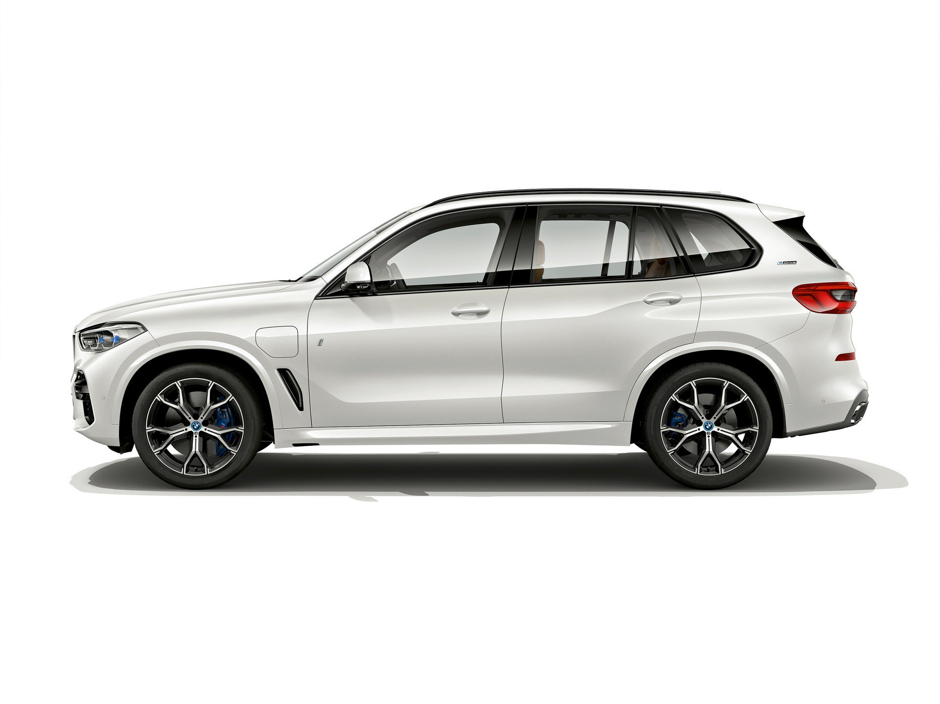 67ec7f55-bmw-x5-xdrive45e-iperformance-2.jpg