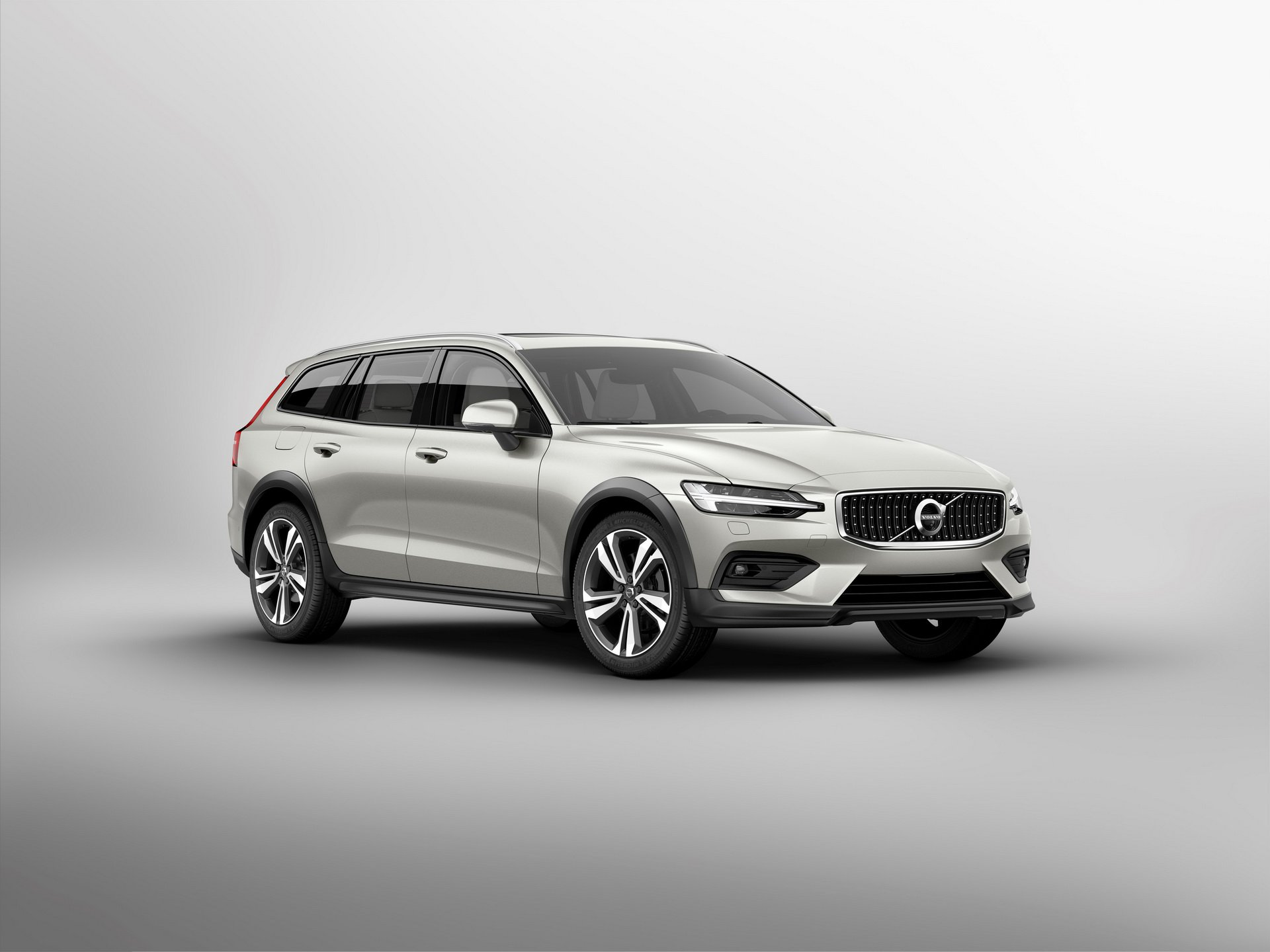 035ae00b-volvo-v60-cross-country-all-new-unveiled-16.jpg