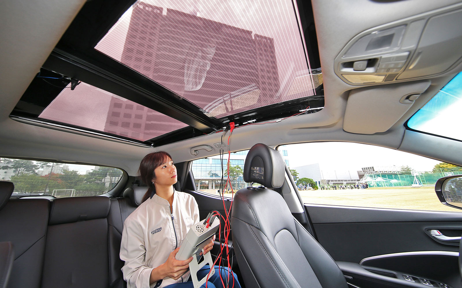 hyundai-reveals-solar-charging-technology-3-1610.jpg
