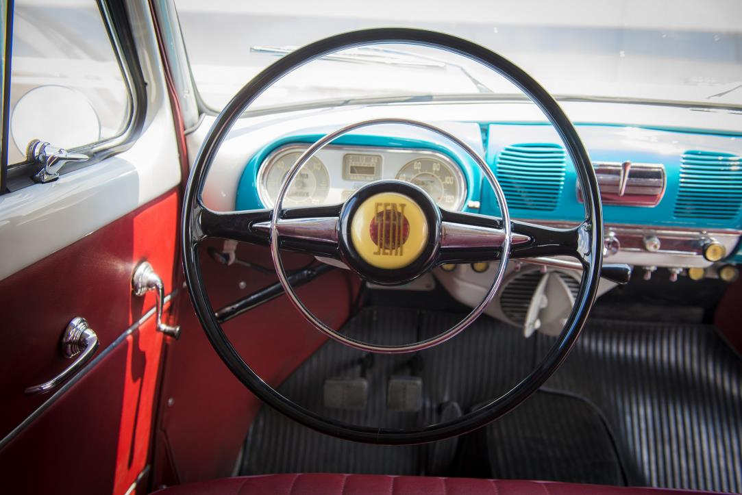 1950-SEAT-volante-steering-wheel_HQ.jpg