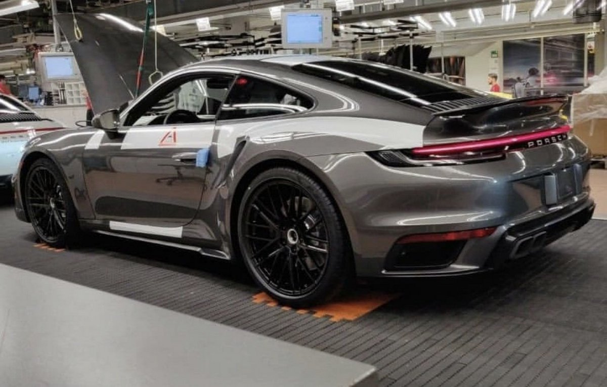 porsche-992-turbo-leak-01.jpeg