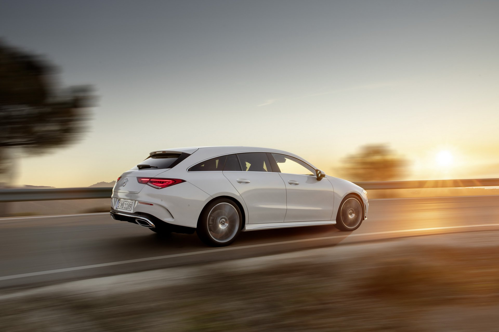 2019-mercedes-cla-shooting-brake-unveiled-26.jpg