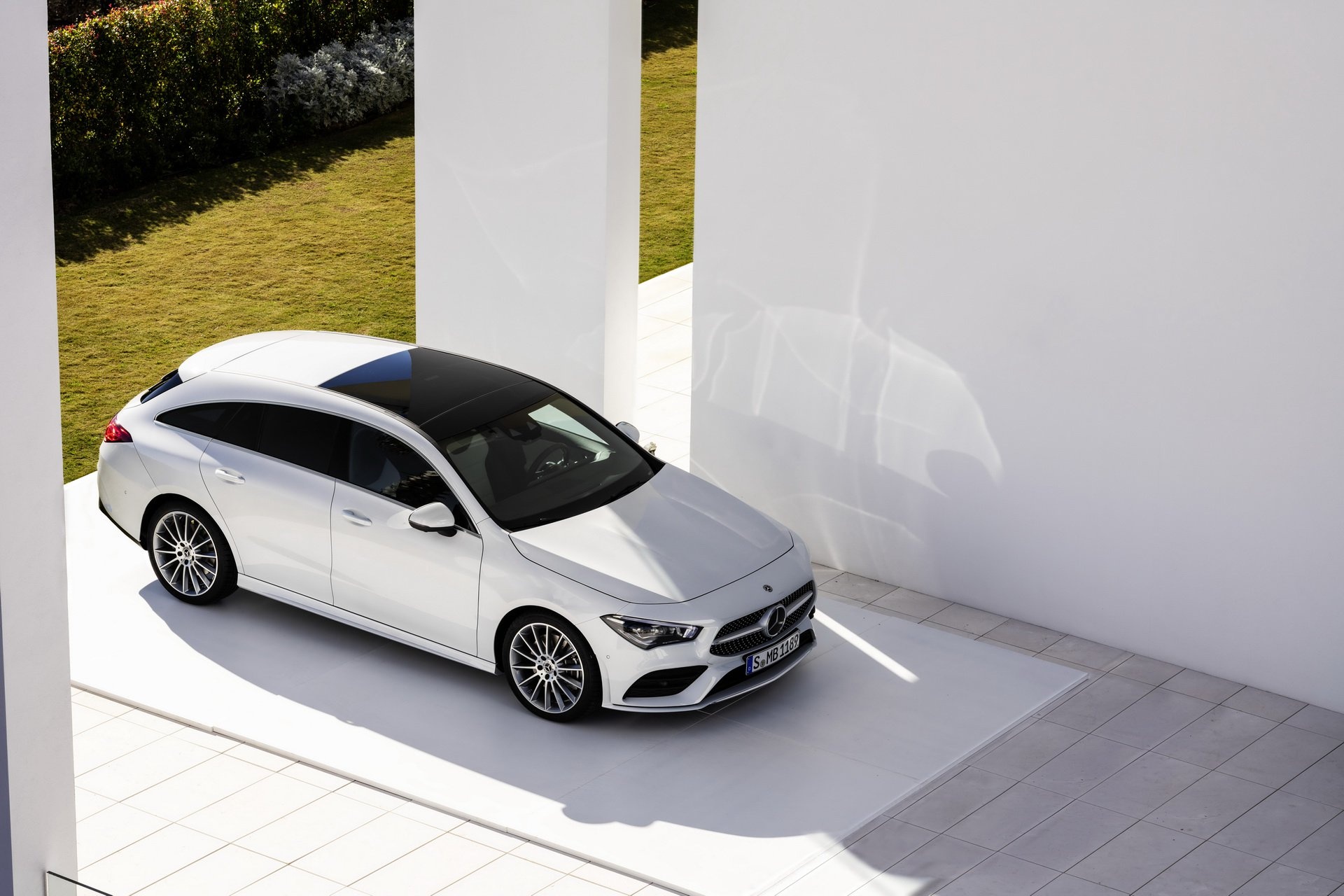 2019-mercedes-cla-shooting-brake-unveiled-31.jpg