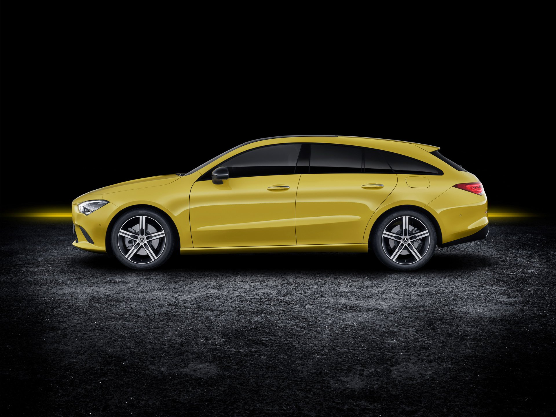 2019-mercedes-cla-shooting-brake-unveiled-3.jpg