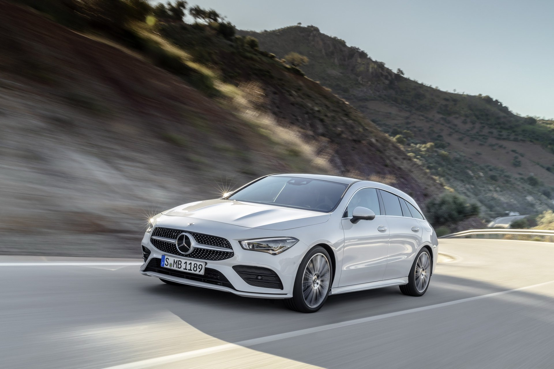 2019-mercedes-cla-shooting-brake-unveiled-19.jpg