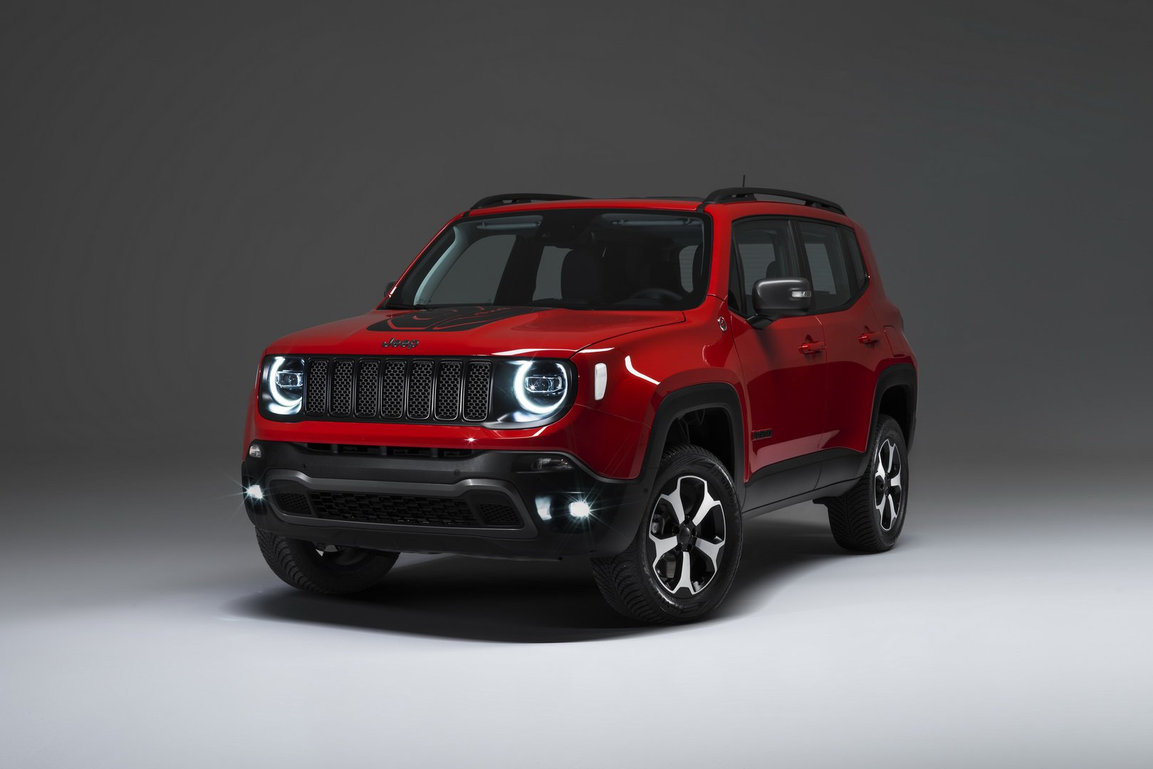 2019-jeep-renegade-phev-1.jpg