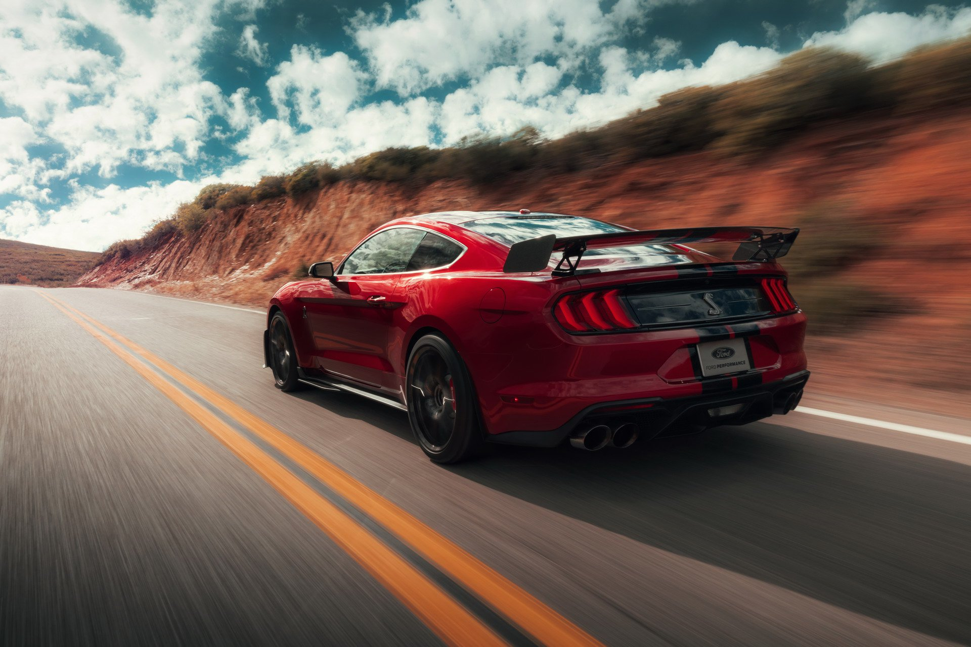 2020-ford-mustang-shelby-gt500-59.jpg