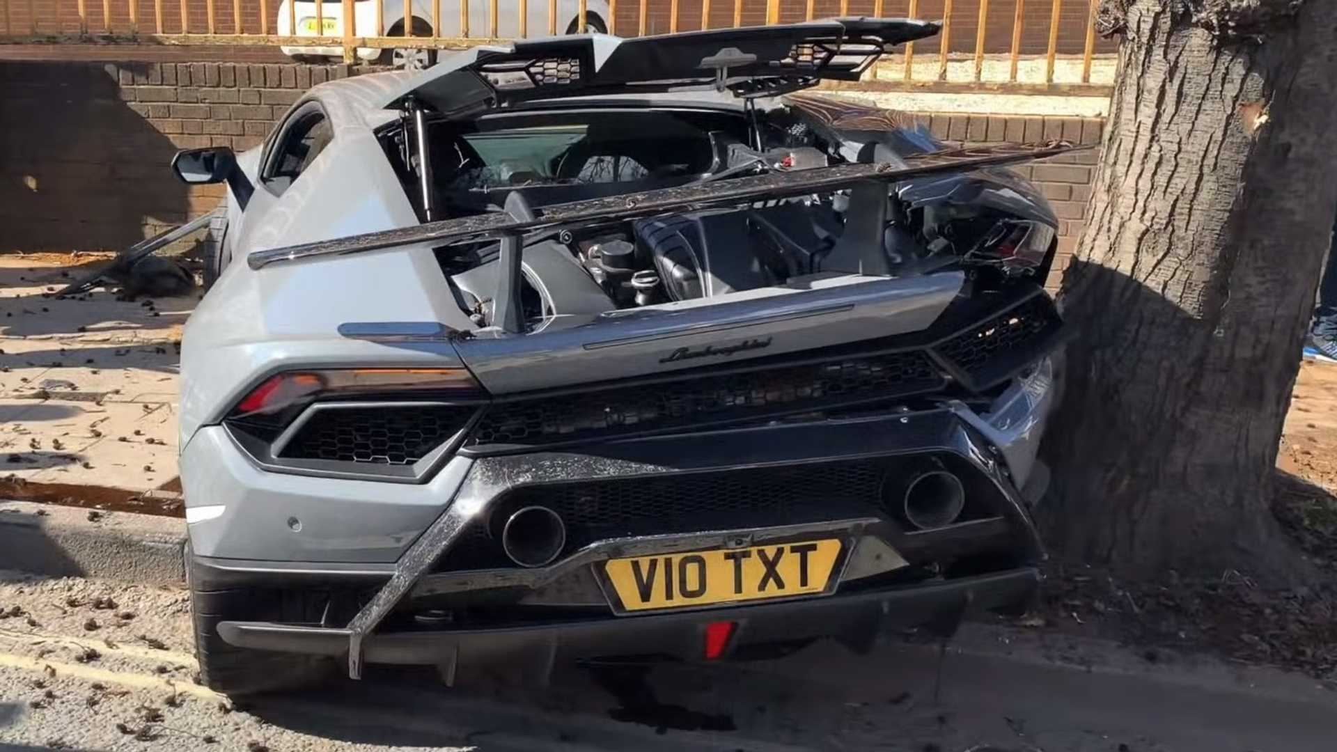 lamborghini-huracan-performante-crashes-at-supercar-meet.jpg